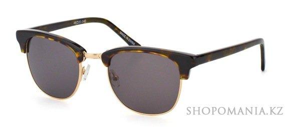 7a5b9f172357 Наиболее популярны варианты с темными линзами, но встречаются и очки с  почти прозрачными стеклами. Но особенно эффектно выглядят броулайнеры с  контрастными ...